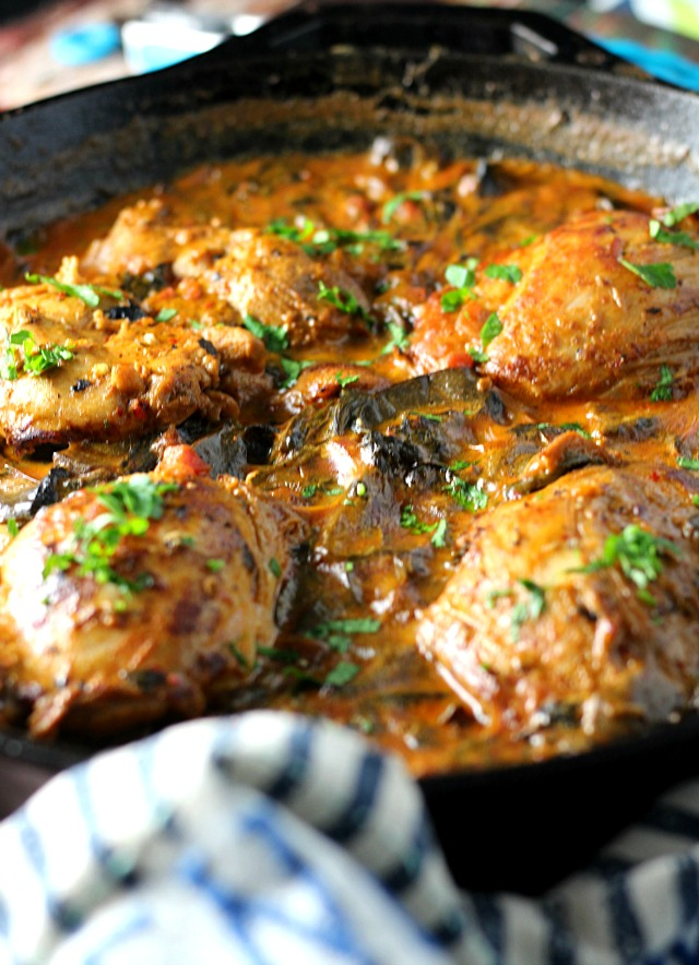 Skinny One-Pot Chicken with Tomato Cream Sauce|www.mannaandspice.com