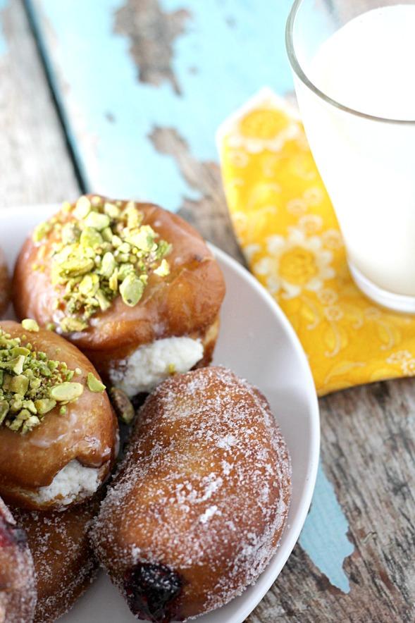 Paczki (Polish Yeast Doughnuts)9www.mannaandspice.com