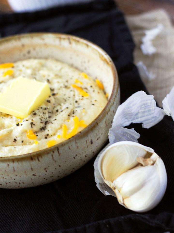 Roasted Garlic Cauliflower Mash|www.mannaandspice.com