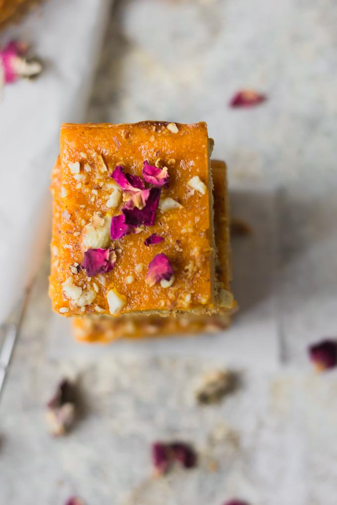 Cardamom Spiced Carrot Halwa Bars|www.mannaandspice.com