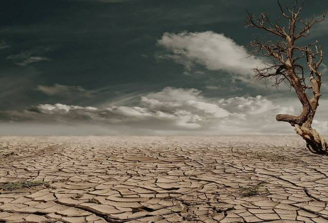 Cracked, dry earth: Tips for dealing with dry mouth