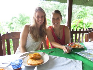 Alessia and Catherine at breakfast