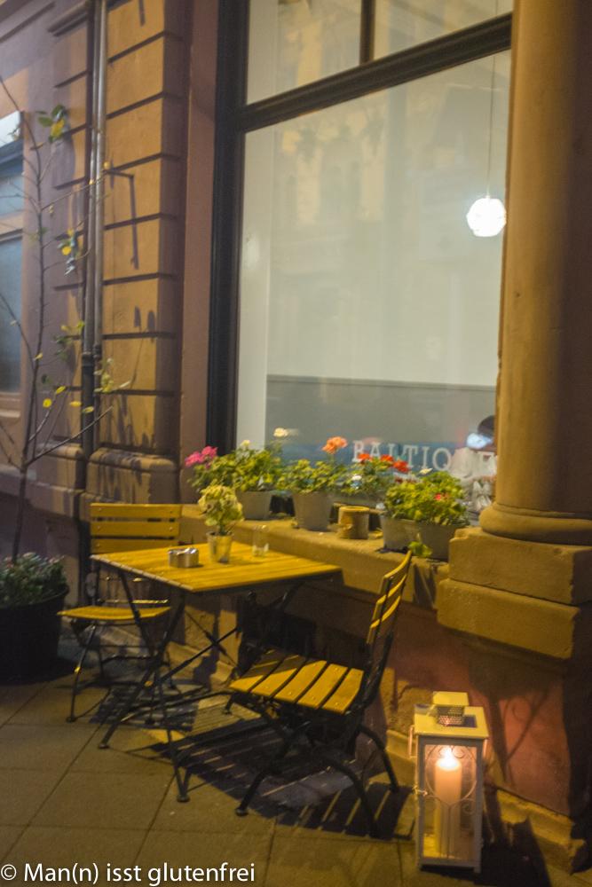 Baltique-die Pankuka Bar Außen beleuchtet