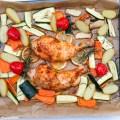 Huhn aus dem Ofen mit Zitronen und Gemüse