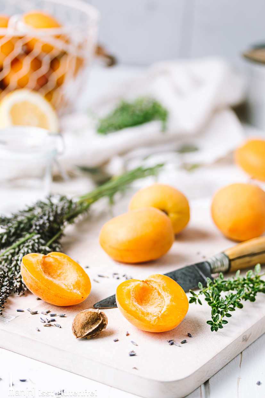 Aprikosenmarmelade mit Zitronenthymian