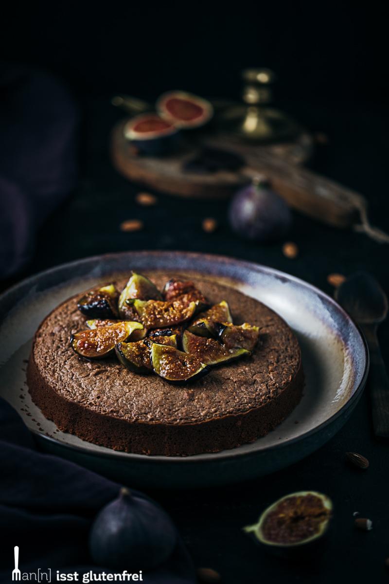 Schokoladenkuchen mit karamellisierten Feigen - glutenfrei und laktosefrei