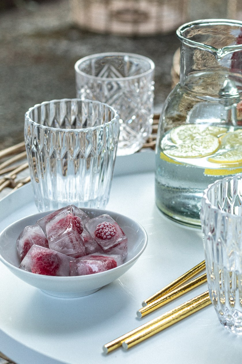 Fruchtiger Himbeere-Prosecco-Longdrink