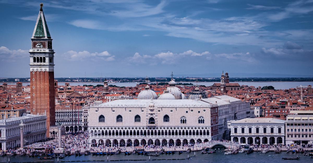 "<b style=""color: darkslategray"">Sondertour:</b><br><b>Venedig</b> 8"
