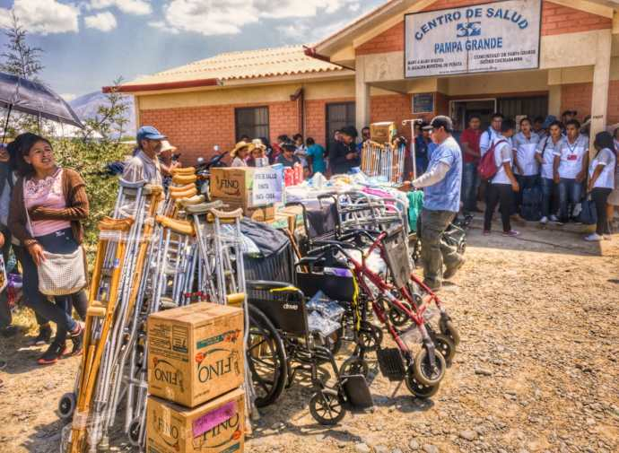 Distributing supplies to health centers in Punata, September 27, 2018.