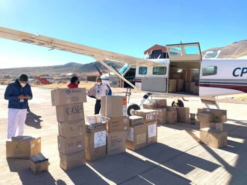 To get supplies to more distant regions of Bolivia, we have been transporting supplies by plane, like this flight a few weeks ago for health care workers in Potosi, Sucre, and Tarija.