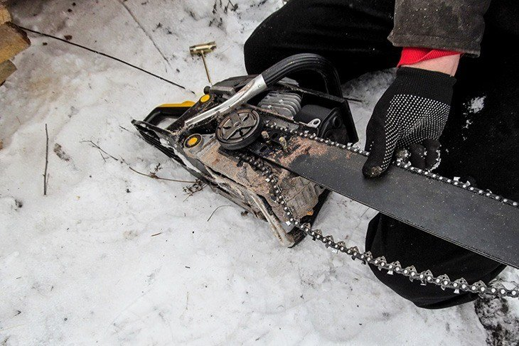 how-to-sharpen-a-chainsaw-chainsaw-sharpener