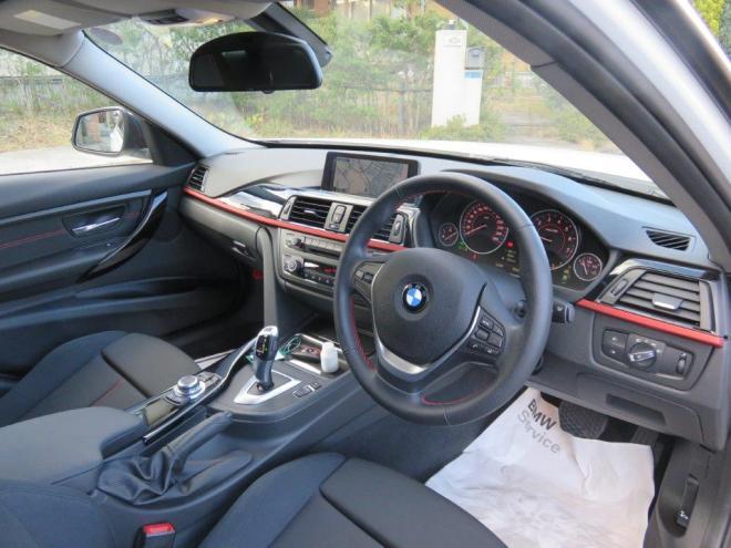 BMW320iスポーツ