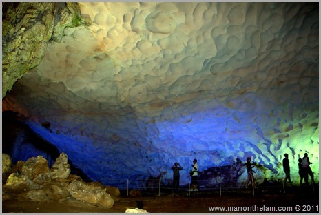Surprise Cave wall and ceiling Halong Bay Vietnam