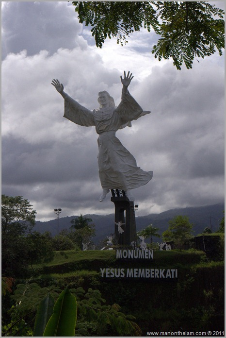 Things to do in Manado, Indonesia -- Monumen Yesus Memberkati -- Christ Blessing statue, Manado, Indonesia
