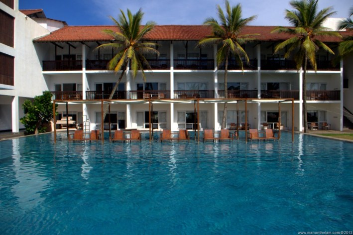 Pool-at-Jetwing-Blue-Hotel-Negombo-Sri-Lanka