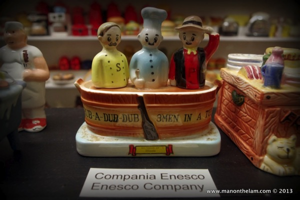 Rub a dub dub dub three men in a tub Salt and Pepper Shakers Guadalest Spain