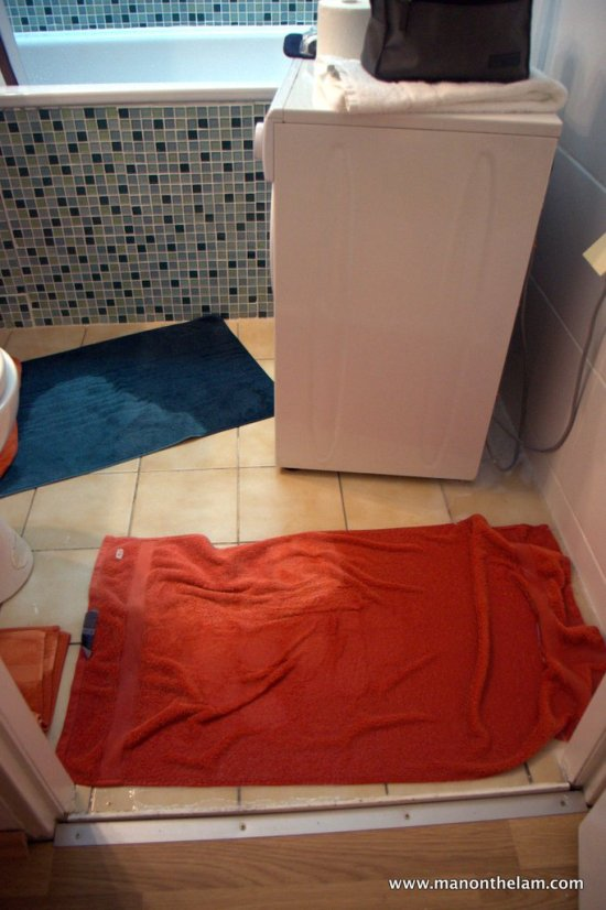 Airbnb -- flooded bathroom in apartment for rent in Berlin, Germany
