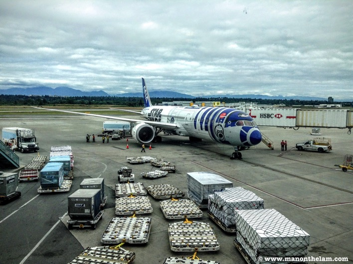All Nippon Airways Star Wars R2D2 plane