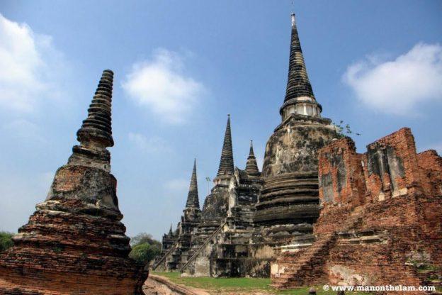 Ruins in Ayutthaya Thailand.jpg
