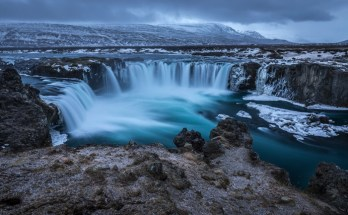 5 Must-See Attractions on Your Royal Holiday Vacation in Iceland