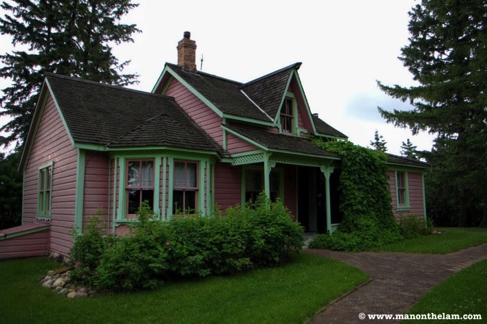 Colorful rural house rental