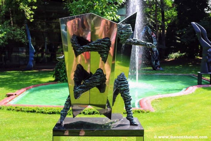 Pepe Gregoire sculpture Laren Netherlands