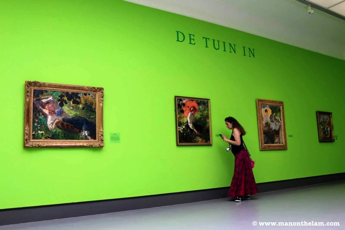 Singer Museum Laren Netherlands rotating display green wall artJPG