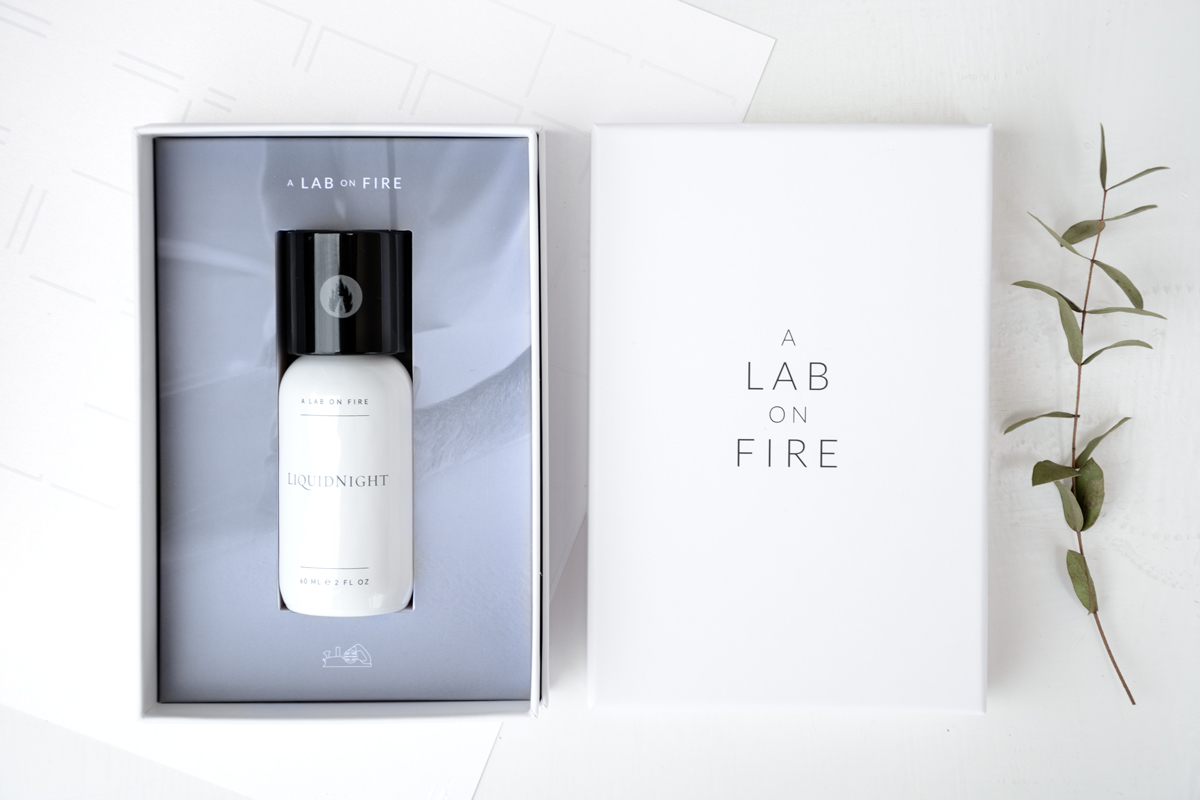 A-Lab-on-Fire-Liquid-night-caja