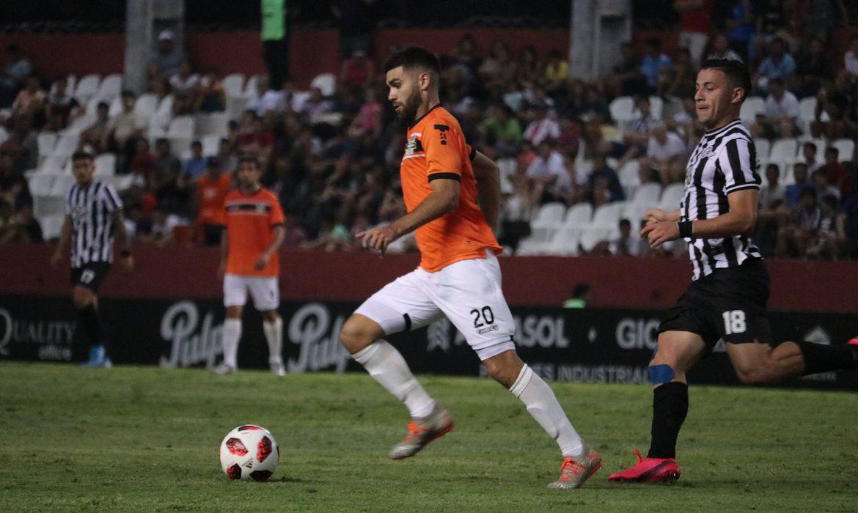 Seleção paraguaia volta a treinar com foco nas eliminatórias da Copa