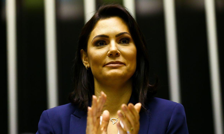 Michelle Bolsonaro testou negativo para covid-19