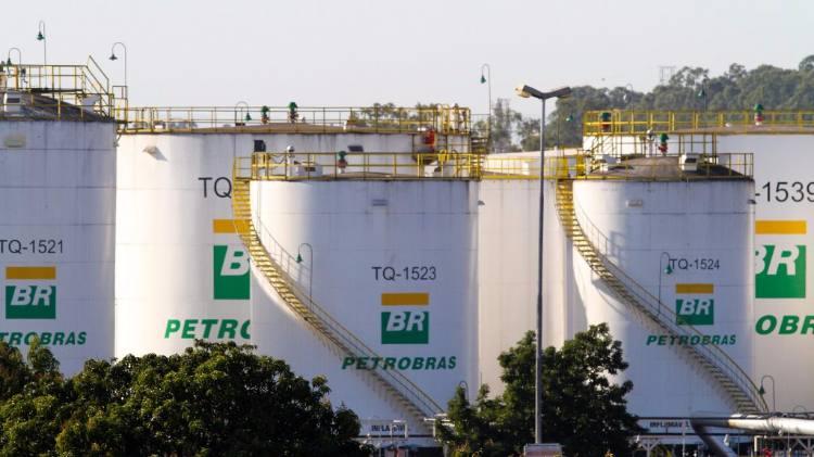 Salim Mattar defende venda das refinarias da Petrobras