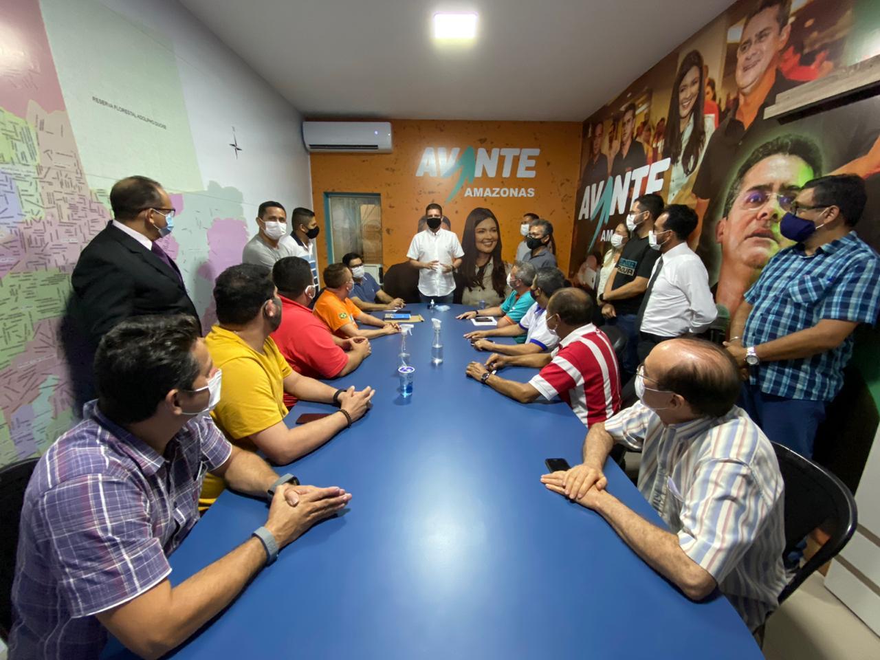 Rotta lidera primeira reunião da campanha de David Almeida