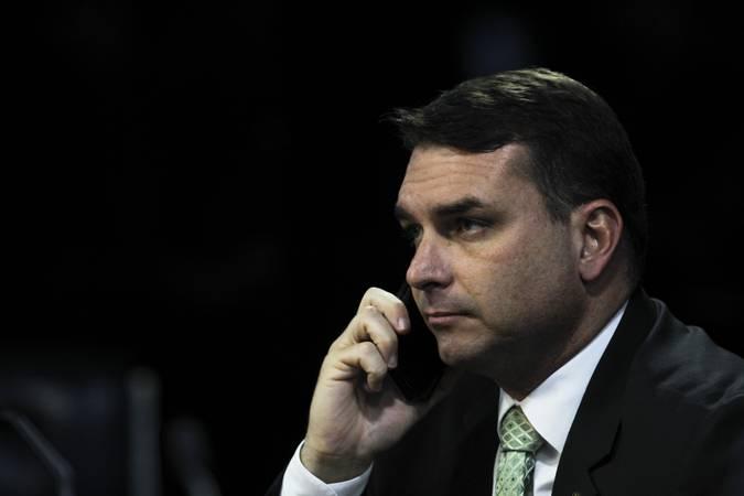 Ministro catarinense mantém anulada quebra de sigilo de Flávio Bolsonaro
