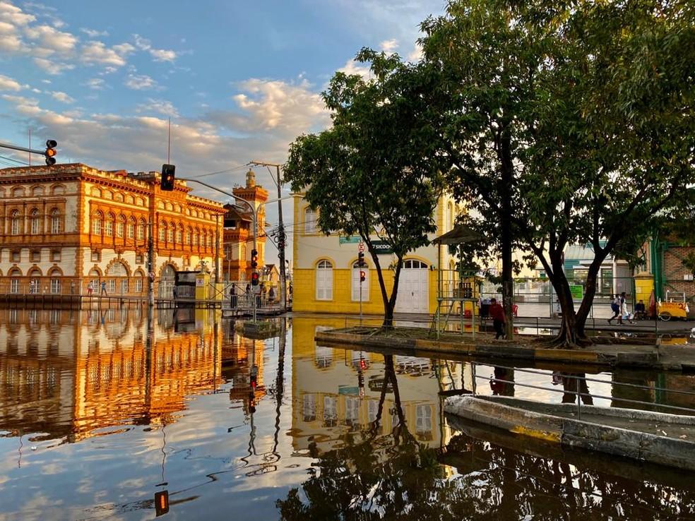Nível do Rio Negro em Manaus permanece com 30 metros