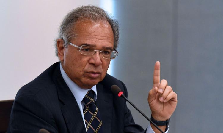 Paulo Guedes diz que governo vai liberar R$ 1 bi para educação