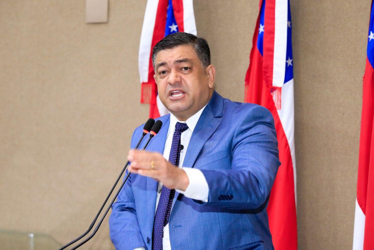 Deputado Dermilson Chagas denuncia interrupção das cirurgias de cateterismo para pacientes infantis