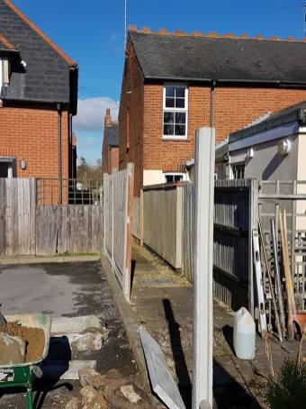 Replacement of existing fence corrugation Road Burnham on Crouch (before)2
