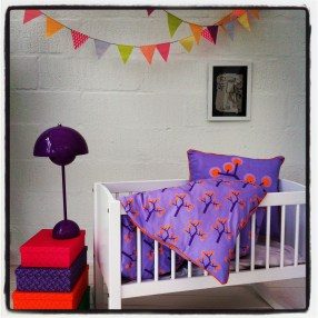 Baby Bedding – Graphic Tree Purple. Organic Cotton Size 70×100 Euro 40