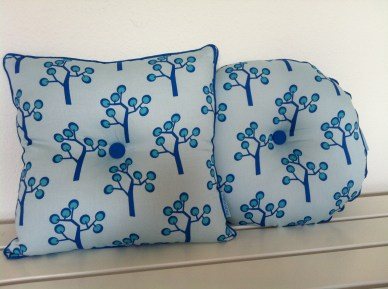 Round kids cushion - Tree blue. Beautiful small pillows in bright colors. Round Blue 35x35 Euro 20