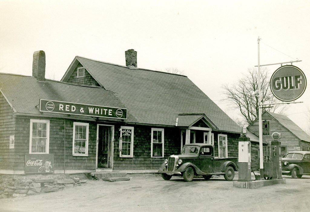 Sabin's Red and White Store