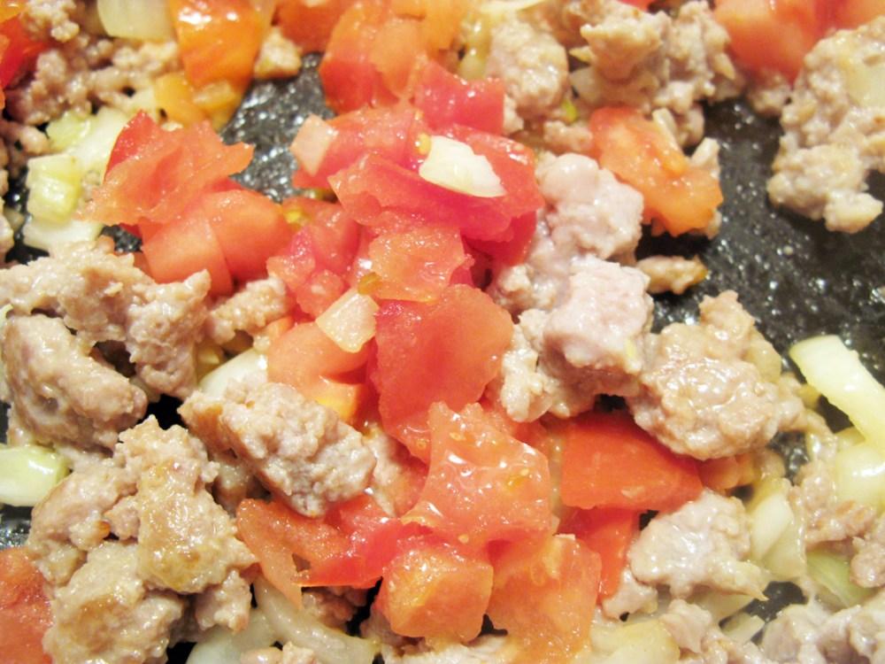 Italian Sausage & Sundried Tomato Alfredo - Quick Pantry Pasta (4/6)