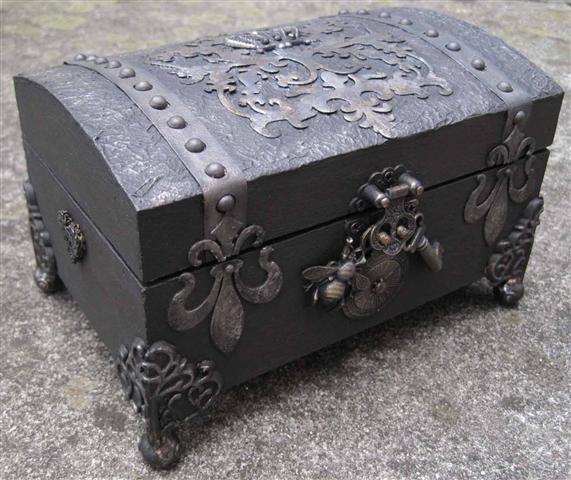 صندوق الأسرار