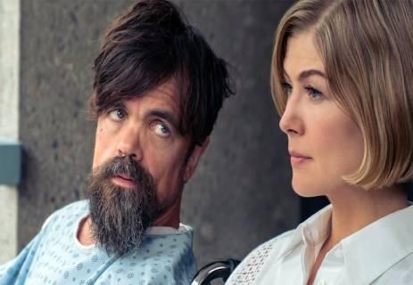 فيلم I Care a Lot: كوميديا سوداء أم إثارة عنيفة؟!