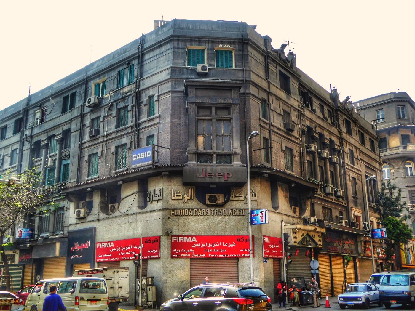 رقم 17 شارع عماد الدين.. نادي الأمراء (قصر دائرة جلال باشا سابقًا) / تصوير ميشيل حنا