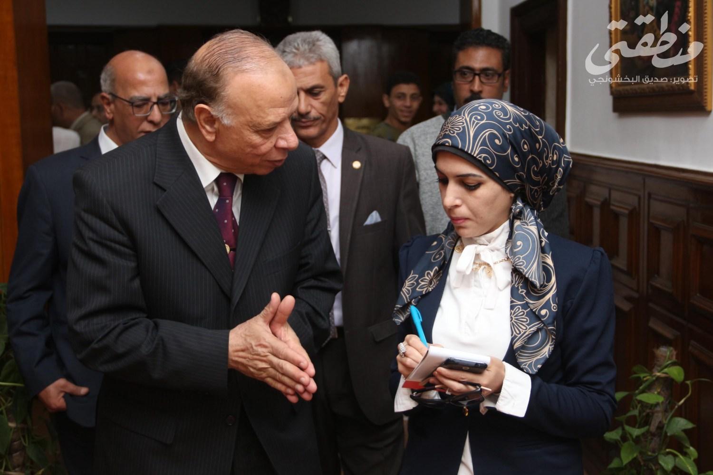 """محافظ القاهرة يتحدث إلى محررة """"منطقتي"""""""