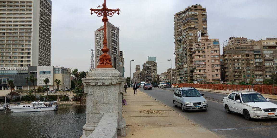 أنشئ كوبري الجلاء عام 1872 في عهد الخديوي إسماعيل، وهو يقابل كوبري قصر النيل من الفرع الغربي