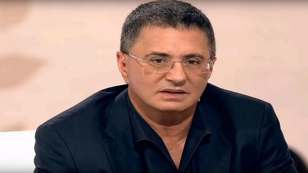 طبيب وإعلامي روسي يحذّر من تعاطي دواء قاتل بعد الإصابة بنوبة قلبية