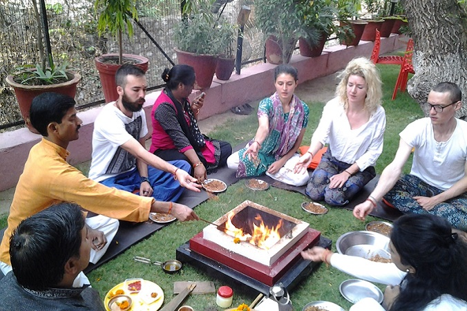 7 Days Meditation for Beginner Course in Rishikesh - About Us