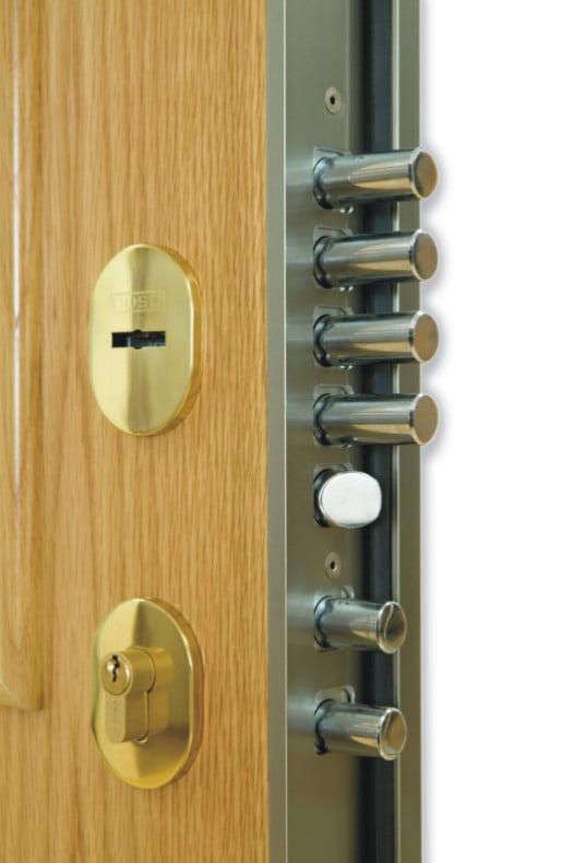 Se puede poner otra cerradura en una puerta blindada