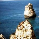 O litoral recortado do Algarve, Portugal